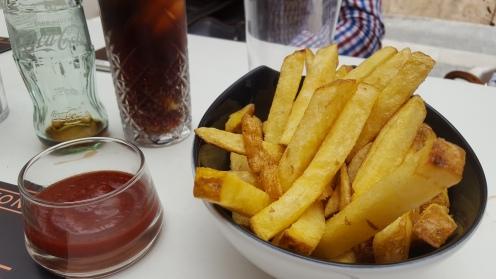 Patatas estilo belga.
